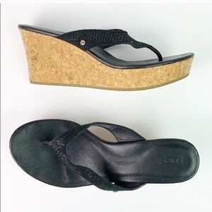 UGG cork wedge EUC black Sandal 9.5